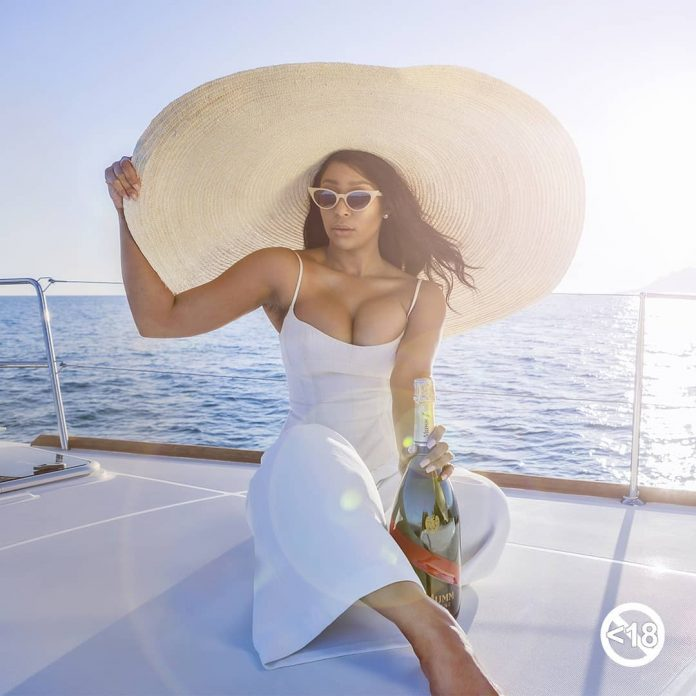 Minnie Dlamini Is The Official Host Of DStv Mzansi Viewers' Choice Awards 2020